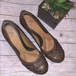 Nurture Brown Leather wedge Shoes Size 9 1/2 M